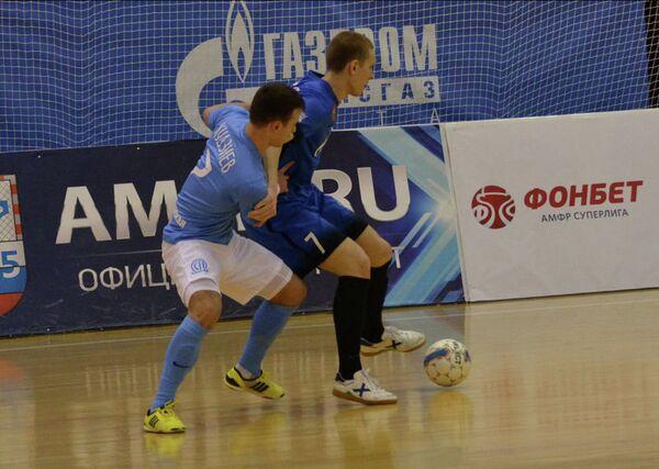 Игровой момент матча чемпионата России по мини-футболу Ухта - Сибиряк