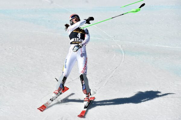 Словацкая горнолыжница Петра Влхова