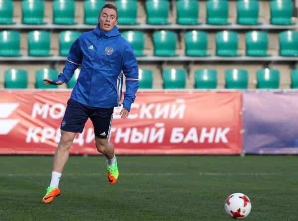 Защитник сборной России Андрей Семенов
