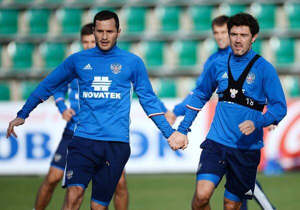 Защитники сборной России Федор Кудряшов и Юрий Жирков (слева направо)