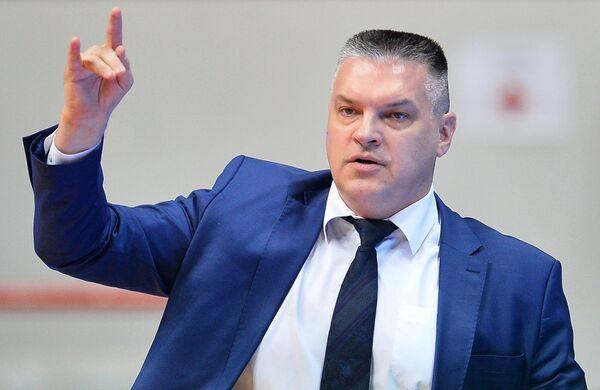 Главный тренер БК УНИКС Евгений Пашутин