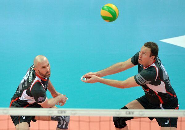 Доигровщики ВК Белогорье Сергей Тетюхин (слева) и Тарас Хтей