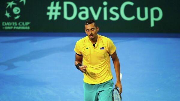 Теннисист сборной Австралии Ник Кирьос в матче Кубка Дэвиса против команды США