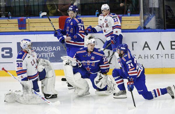 Хоккеисты СКА на раскатке перед товарищеским матчем