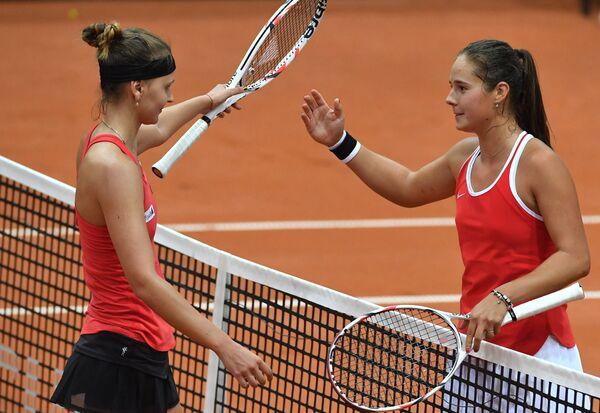 Марина Заневская и Дарья Касаткина (слева направо)
