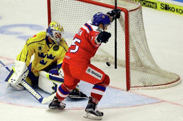 Игровой момент матча заключительного этапа Евротура между сборными Швеции и Чехии