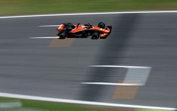 Испанский пилот команды Формулы-1 Макларен Фернандо Алонсо