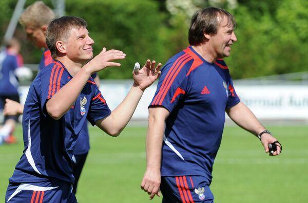 Андрей Аршавин и тренер Александр Бородюк (слева направо)