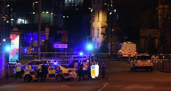 Полиция у Манчестер Арены, где произошел взрыв