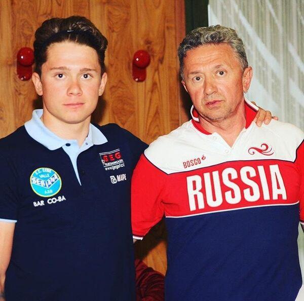 Тренер Михаил Ростовцев (справа)