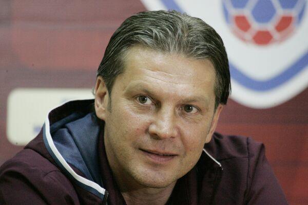 Исполняющий обязанности главного тренера ФК СКА-Хабаровск Алексей Поддубский