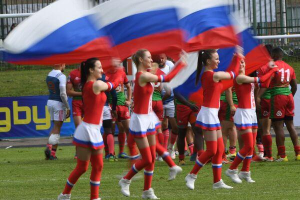 Девушки из группы поддержки сборной России по регби-7