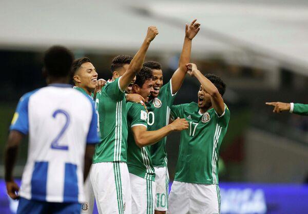 Футболисты сборной Мексики
