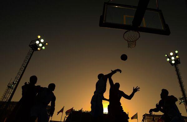 Матч по баскетболу 3х3 среди мужчин