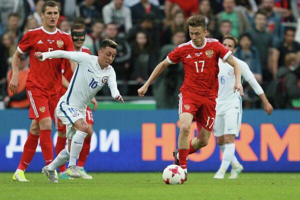 Игровой момент матча Россия - Чили