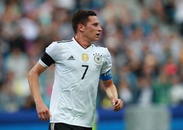 Полузащитник сборной Германии по футболу Юлиан Дракслер