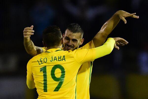 Нападающий молодежной сборной Бразилии и грозненского Ахмата Леонардо Родригес Лима