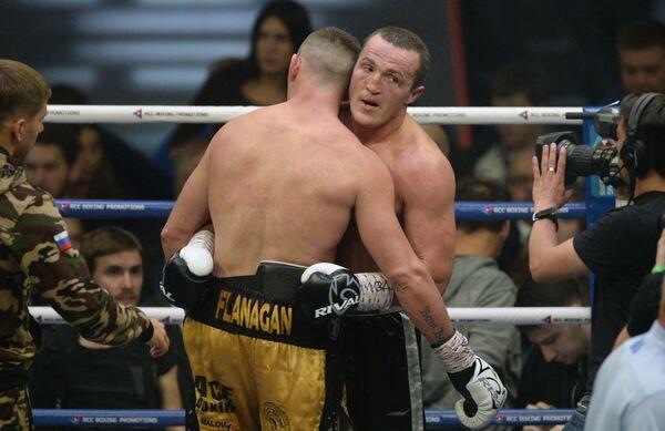 Справа налево: Денис Лебедев и Марк Флэнаган