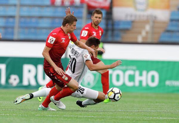 Игровой момент матча Тосно - Уфа