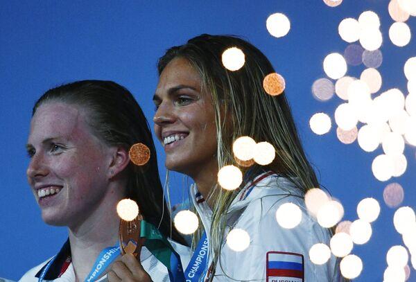 Лилли Кинг и Юлия Ефимова (слева направо)
