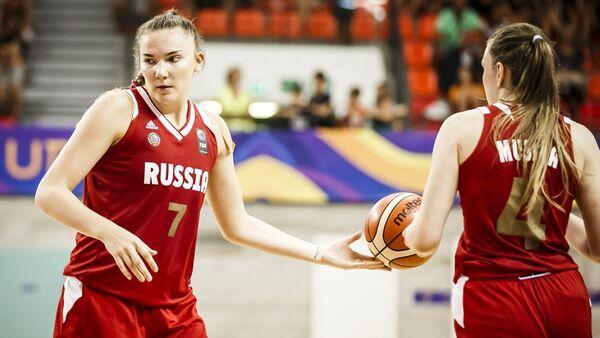 Раиса Мусина и Мария Вадеева (справа налево)