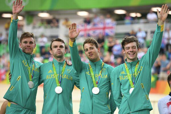 Австралийские велогонщики Майкл Хепберн, Джек Бобридж, Сэм Уэлсфорд и Александер Эдмондсон (слева направо)