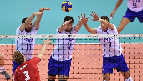 Волейболисты сборной России Максим Михайлов, Артем Вольвич и Дмитрий Волков (слева направо)
