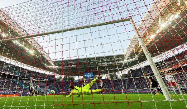 Игровой момент матча Лейпциг - менхенгладбахская Боруссия