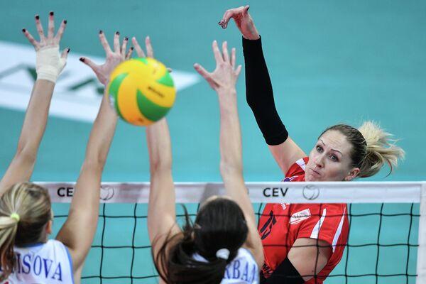 Татьяна Маркевич (справа)