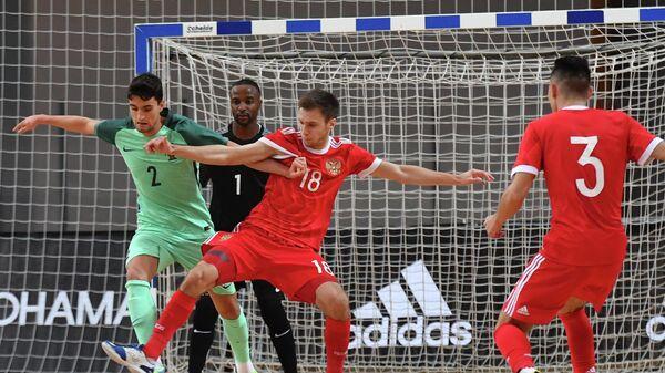 Игровой момент матча Россия - Португалия