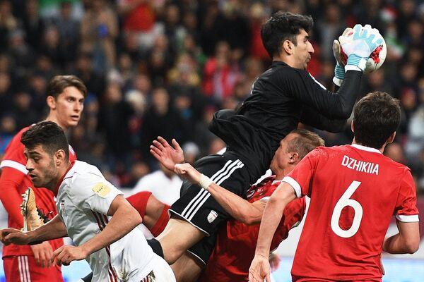 Игровой момент матча сборных России и Ирана
