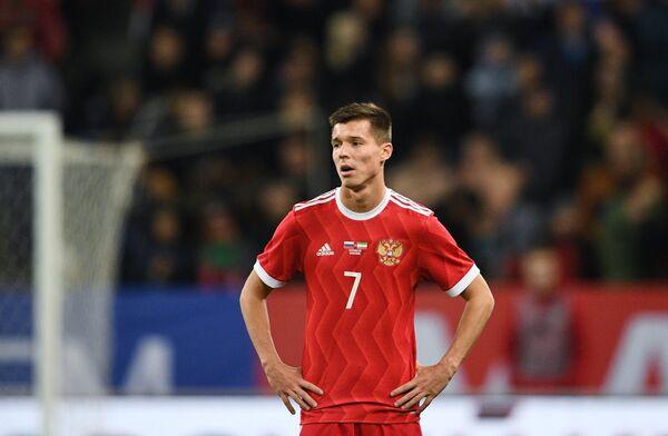 Хавбек сборной России Дмитрий Полоз