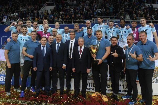 Игроки и тренерский штаб ВК Зенит