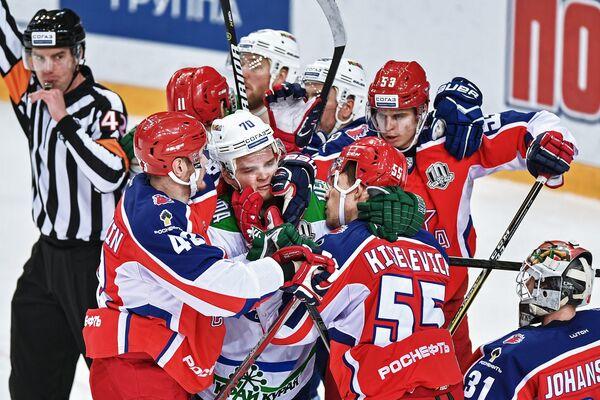 Потасовка в матче ЦСКА - Салават Юлаев