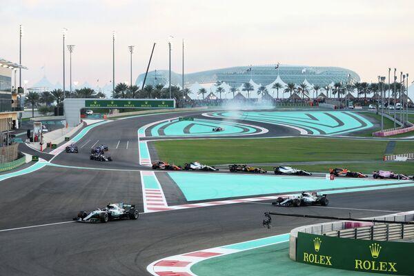 Пилоты на дистанции Гран-при Абу-Даби
