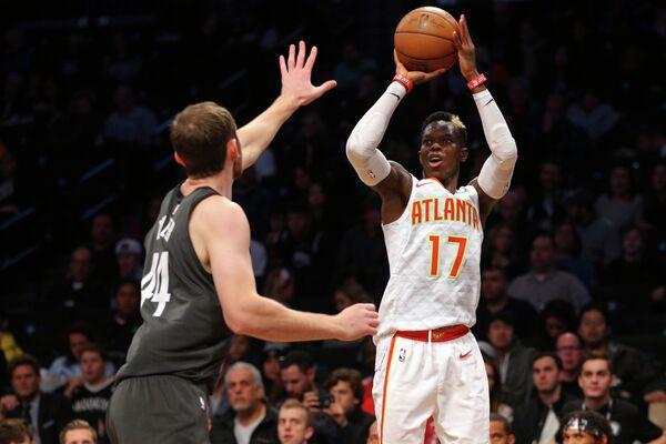Защитник клуба НБА Атланта Хокс Деннис Шрёдер