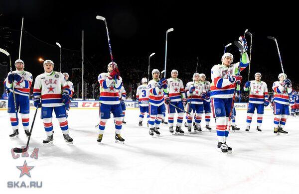 Хоккеисты СКА рауются победе над Йокеритом в матче под открытым небом в Хельсинки