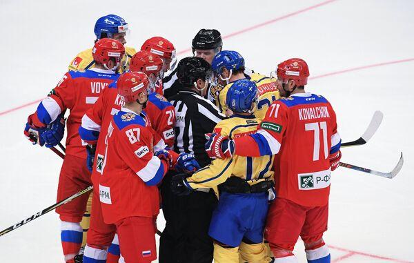 Потасовка во время матча Россия - Швеция