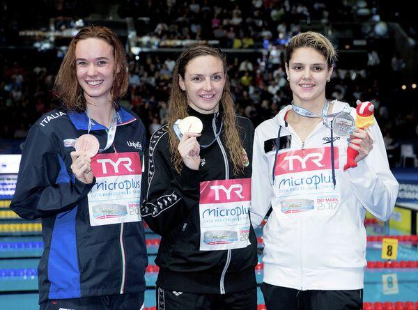 Украинка Дарина Зевина, венгерка Катинка Хошсу и итальянка Маргарита Панциера (слева направо)
