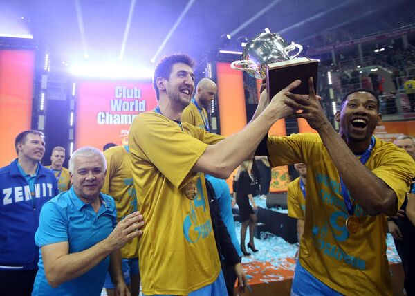 Волейболисты казанского Зенита Вильфредо Леон и Артем Вольвич (справа налево)