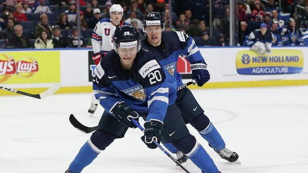 Хоккеисты молодежной сборной Финляндии