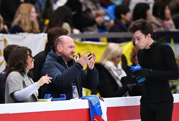 Дмитрий Алиев (Россия) и его тренер Евгений Рукавицын
