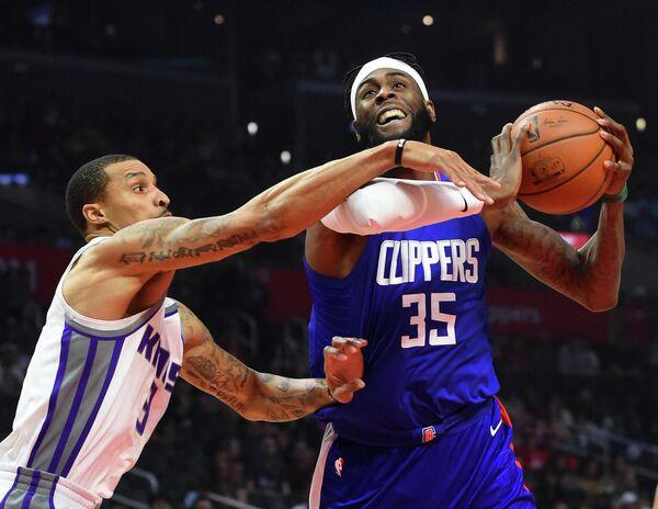 Форвард клуба НБА Лос-Анджелес Клипперс Уилли Рид (№35)