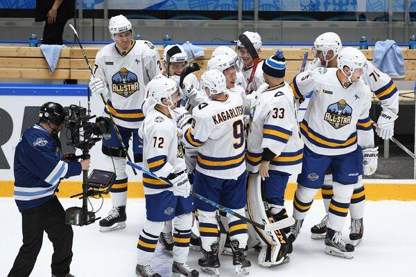 Хоккеисты команды дивизиона Тарасова