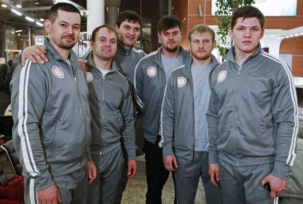 Сергей Чудинов, Семен Павличенко, Степан Фёдоров, Александр Денисьев, Владислав Антонов и Роман Репилов (слева направо)