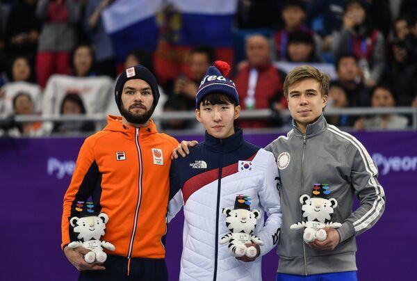 Шинки Кнегт, Лим Хё Джун и Семен Елистратов (слева направо)