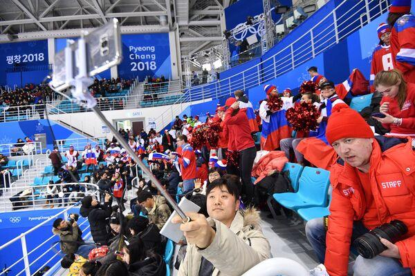 Зрители на матче Россия - Финляндия