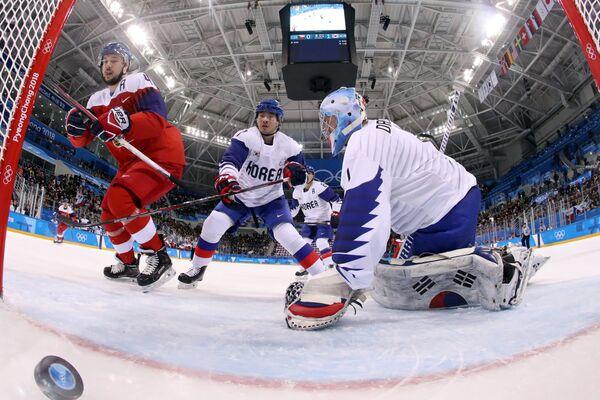 Игровой момент матча Чехия - Южная Корея
