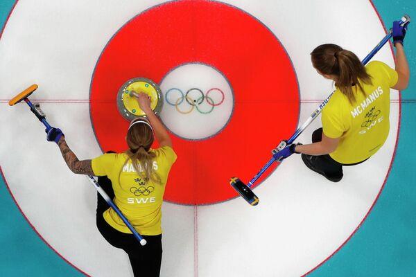 Керлингистки сборной Швеции