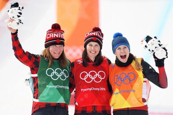 Бриттани Филэн, Келси Серва и Фанни Смит (слева направо)